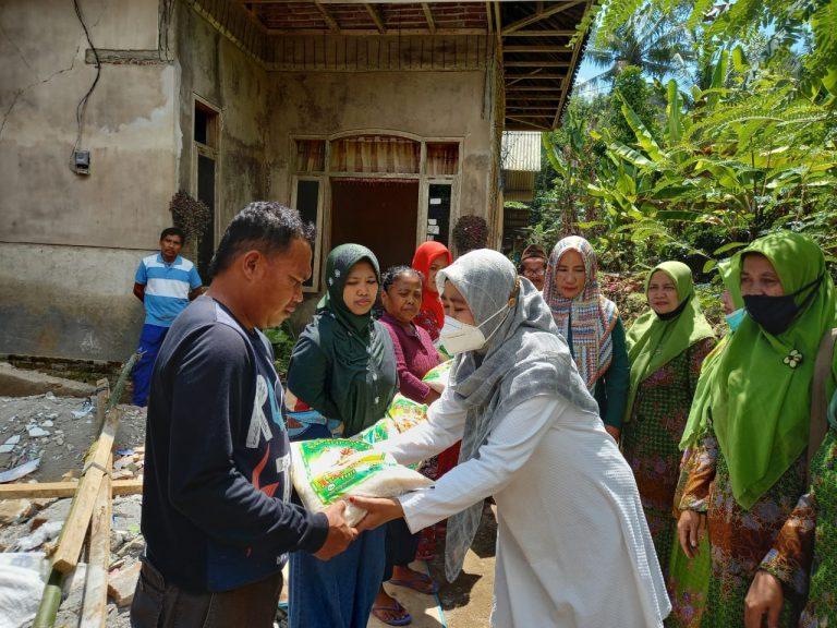 Khofidah Distribusikan Bantuan Sembako dan Uang Tunai untuk Korban Gempa Malang