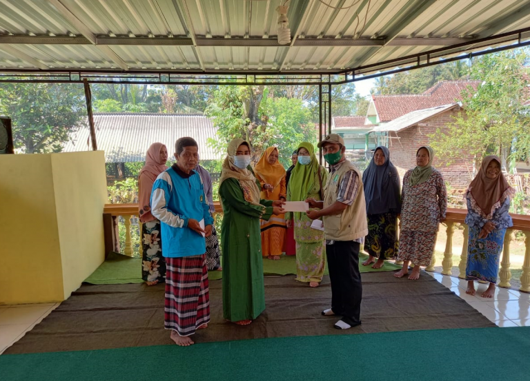 Politisi PKB Khofidah Kembali Kundapil Distribusikan Bantuan untuk Korban Gempa Malang